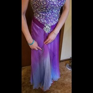 Used Tony Bowls Dresses